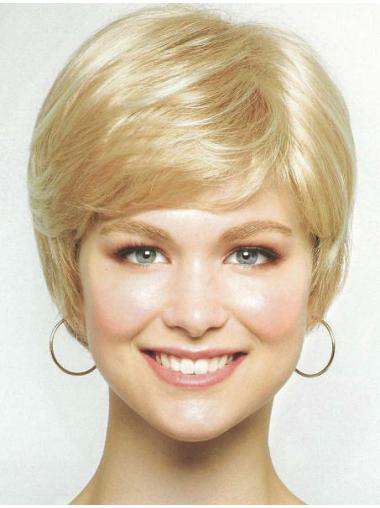 Sassy Chin Length Synthetic Blonde Wigs Medium