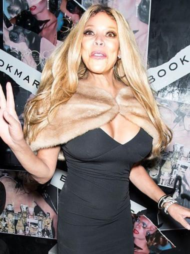 Blonde Wavy Synthetic Style Wendy Williams Wigs