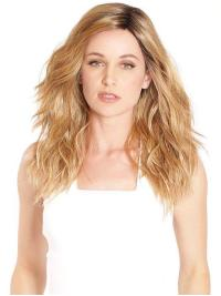 This wig has long, loose beach waves that represent the classic California girl attitude.