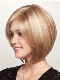 Get a clean, precise look instantly by wearing a straight, chin-length bob adorned with fringe bangs.