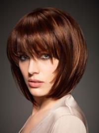 The short bob wig has higher hair density and it has eye-length full fringe with face framing temple pieces.